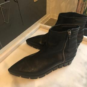 Vic Matié Italienske støvler i sort læder str 38 Næsten som ny! Brugt 1 gang