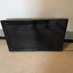 """Fjernsyn inkl. Ophæng.  Ophænget er nok mest værd, men fjernsynet kan tilsluttes HDMI  32"""""""