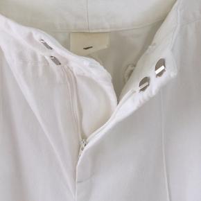 Flotte bukser fra Heartmade. Brugt een gang og vasket een gang. Nypris er 1500 kr.