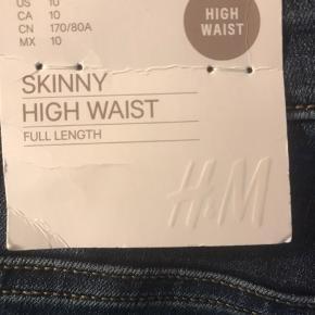 Disse bukser splinternye sælges da jeg ikke kan passe dem model var forkert da det svære er en kegle og ha smidt kvittering væk kan de ikke byttes der for sælger jeg dem