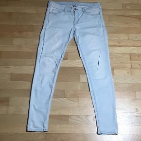 H&M slim jeans elastiske i stoffet str.42