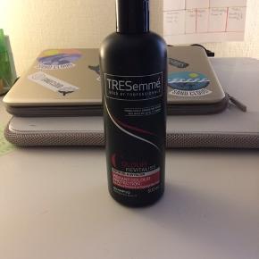 Aldrig brugt Hårshampoo egnet til farvet hår 500ml