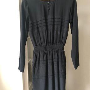 Vanessa Bruno sort silke kjole str 36