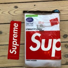 Supreme x Hanes T-shirts, 3-pack