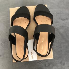 Clarks sandaler