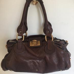 Rigtig fin Chloe Paddington medium taske. Lidt slid men rigtig pæn!!  Se også mine andre annoncer.