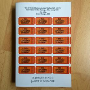 The experience economy  Sælger mine studiebøger til den internationale serviceøkonom uddannelse. Alle bøger er i perfekt stand Se liste over bøger nedenfor - Se mine andre annoncer for billeder