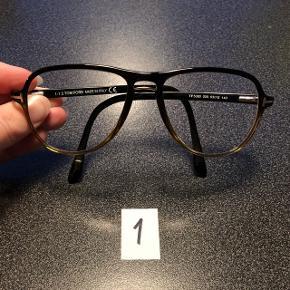 """Fedeste briller, styrke kun -0.25 så fine bare som en fed accesory hvis du ikke normalt bruger briller. Ingen ridser. Anti-refleks glas af høj kvalitet. 3 par, 500kr/par.1:  Tom Ford i """"pilot-facon"""". Sorte foroven og går over i gråbrun nederst. Tom Fords typiske gulddetalje hvor stængerne starter. Megafede! 2: Christian Dior i """"sekretær-facon"""" i brunsort metal og med stænger i brun horn-lignende plast. Superlet og lækker at have på! 3: Tom Ford i let """"katte-øjne-facon"""". Brun horn-farvet. Gulddetalje ved stænger, så smukke!"""
