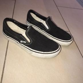 Vans slip on i størrelse 36 i sort