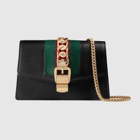 Gucci Sylvie Super Mini Black Leather Chain Bag!  • Overvejer at sælge min elskede Gucci taske da jeg ikke får den brugt nok- kun hvis rette bud kommer • Den er 1 år gammel og har ingen fejl • Kvittering haves ikke da det var en fødselsdagsgave, men pose, dustbag og æske medfølger • Den er købt i London  • NP: 7000kr • MP: 6000kr  Prisen er plus Porto  #trendsalesfund