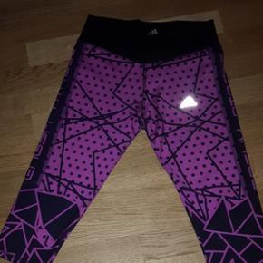 Leggins Adidas Climacool T.M.couleur Fucchia rose noir.  Neuf sans l étiquette Original Adidas woman wear. Envoi offert en grande lettre A4 courrier A