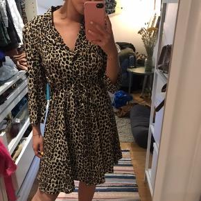 Fineste kjole fra mango ❤️ brugt en gang