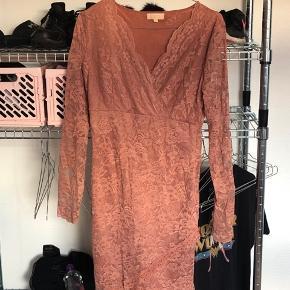 Sælger den her Buch kjole da jeg ikke kommer til at bruge den, har haft den på to gange byd