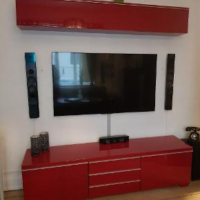 Højglans rød Tv bord og overskab fra ikea sælges
