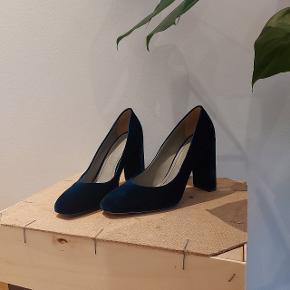 Aeyde heels