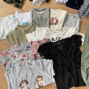 29 stykker tøj til 300kr Blandet mærker Kan sende med dao til 40kr