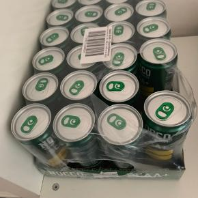 Nocco BCAA drik med hyldeblomst/citron. Der er drukket en, så 23 tilbage, dvs 9 kr stykket. Købt i Juli måned. Sælges fordi jeg, i et svagt øjeblik, troede der var koffein i 🤷🏼♀️ Sendes ikke, da fragt er alt for dyr. Kan hentes i Meløse/Hillerød eller Odense efter de 25. august.