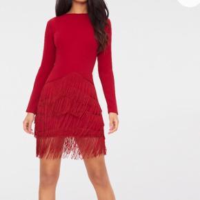 Kjole fra Pretty little thing brugt i få timer. UK size 6. Kom med et fornuftigt bud