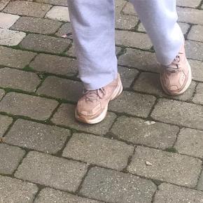 Nike Sneakers, God, men brugt. København - Sælger nike mk2 tekno sko i pink. np: 800kr mp: 200kr men er åben for bud ?. Nike Sneakers, København. God, men brugt, Brugt en periode og har derfor mindre tegn på brug