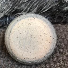 Skøn lille 6 cm høj olielampe 6 cm høj  Virkelig skøn keramik