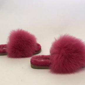 Flotte feminine bløde slippers med pels, dejlig varme ubrugt.