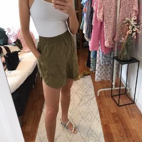 Shorts fra weekday, rigtig behagelige🌿