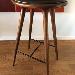 Lækker, klassisk Mater barstol, 74 cm H.