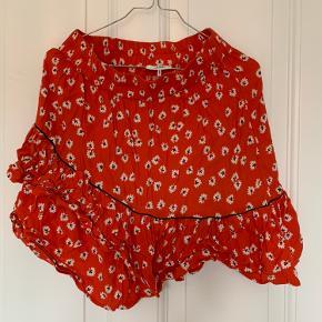 Ganni nederdel i str 34, trænger til at blive strøget men ellers super fin!