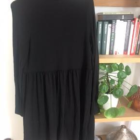 Flot sort skater kjole fra ASOS Se også mine andre annoncer og kom gerne med et bud