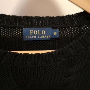 Ralph Lauren sweater i kabelstrik med zips i begge sider.