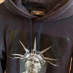 Cool hoodie fra Niel Barrett meget go stand