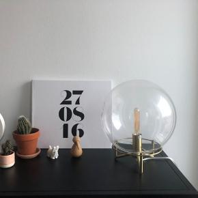 Flot messing og glas bordlampe inkl. pærer. Oprindeligt 700kr. + 100kr. For pærer.