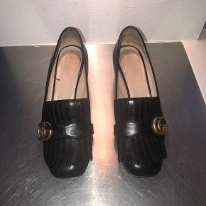 Gucci Leather mid-Heel pump. Sælges stadig på Guccis hjemmeside. Kvittering fra køb på Guccis hjemmeside haves.