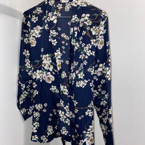 Jacqueline De Yong kimono
