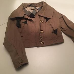 burberry uk: Secondhand fashion på Trendsales.