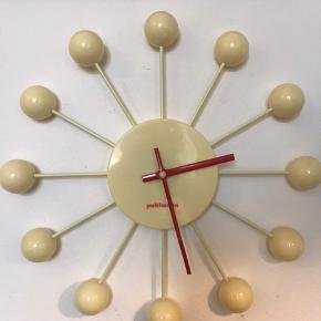 Puhlmann Cabanaz vægur 36 cm i diameter Passer godt til Eames hang it all knage