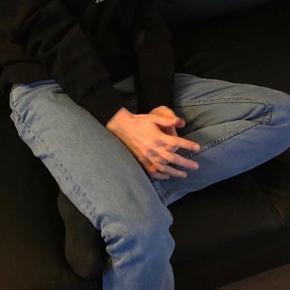 H&m jeans, har lidt slid bagpå, ellers fejler de intet