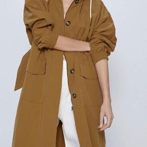 Mega flot let trench frakke fra Zara 💣💣💣  Jeg sender hver dag 📦📦📦