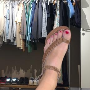 Soon sandaler