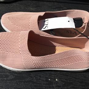 VRS sneakers