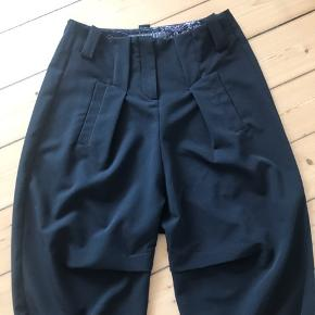 Super fede ankel lange bukser fra Absolut fra Zebra,bukserne er str 1