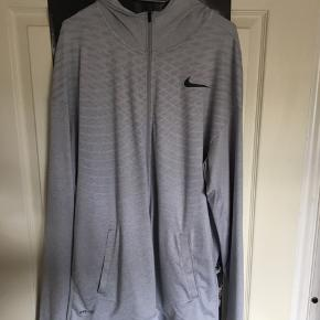 STØRRELSE XXL, FITTER XL  Nike hættetrøje   - Skriv hvis der skulle være spørgsmål