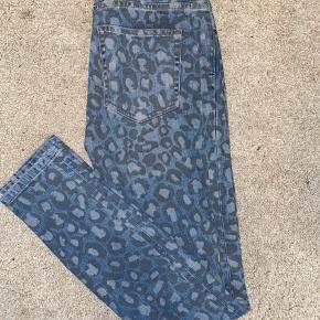 Marc by Marc Jacobs Leo jeans.   Str 26.   Brugt er par gange, fejler intet.