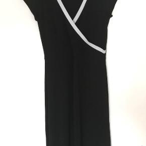 Så fin kjole fra Petit Principles i 100%viscose.
