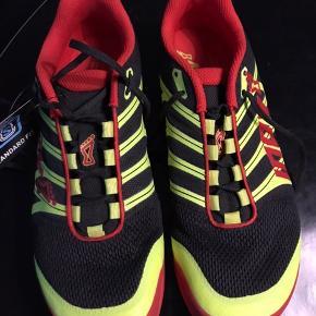 Helt nye x-talon 200 trek sko.