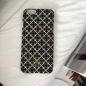 Sælger billigt da Som man kan se er coveret ret så slidt - iPhone 6/6s  Byd!