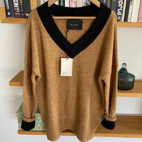 Raiine sweater