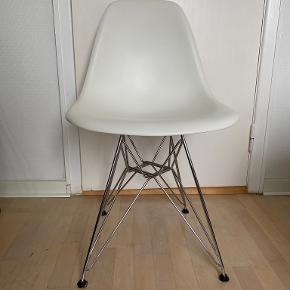 Charles Eames spisestol