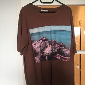 Pull And Bear t-shirt