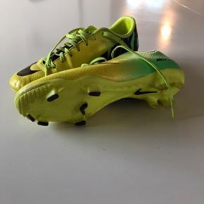 Super fin billig fodboldstøvle:)